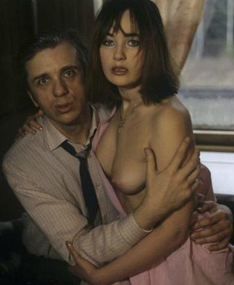 Голая Ира Пегова актриса видно её сиськи попку и киску